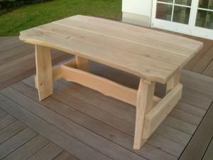 Tisch rustikal aus Eiche