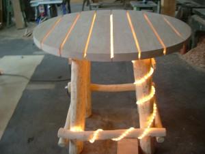 Stehtisch rund (mit Beleuchtung) rustikal aus Eiche