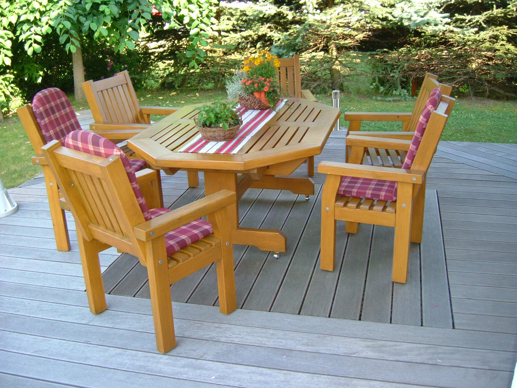 massivholz gartenm bel aus eiche die holzfabrik. Black Bedroom Furniture Sets. Home Design Ideas